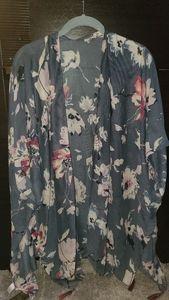NWT Floral kimono